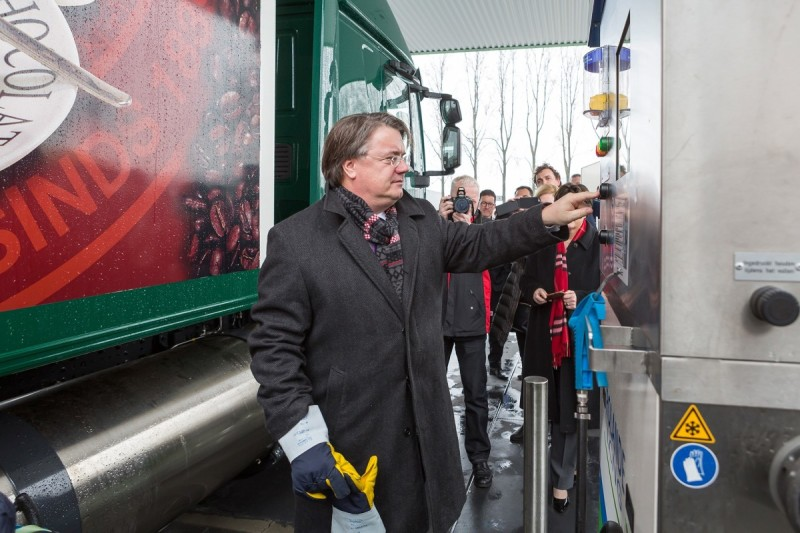 Opening_truckstop_Veghel_2_LR